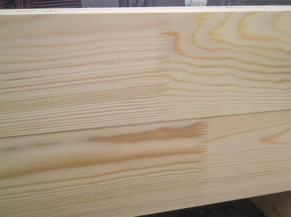 Гладък дървен материал